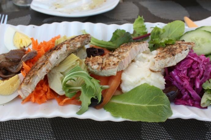 Le Bouchon - nicoise salad
